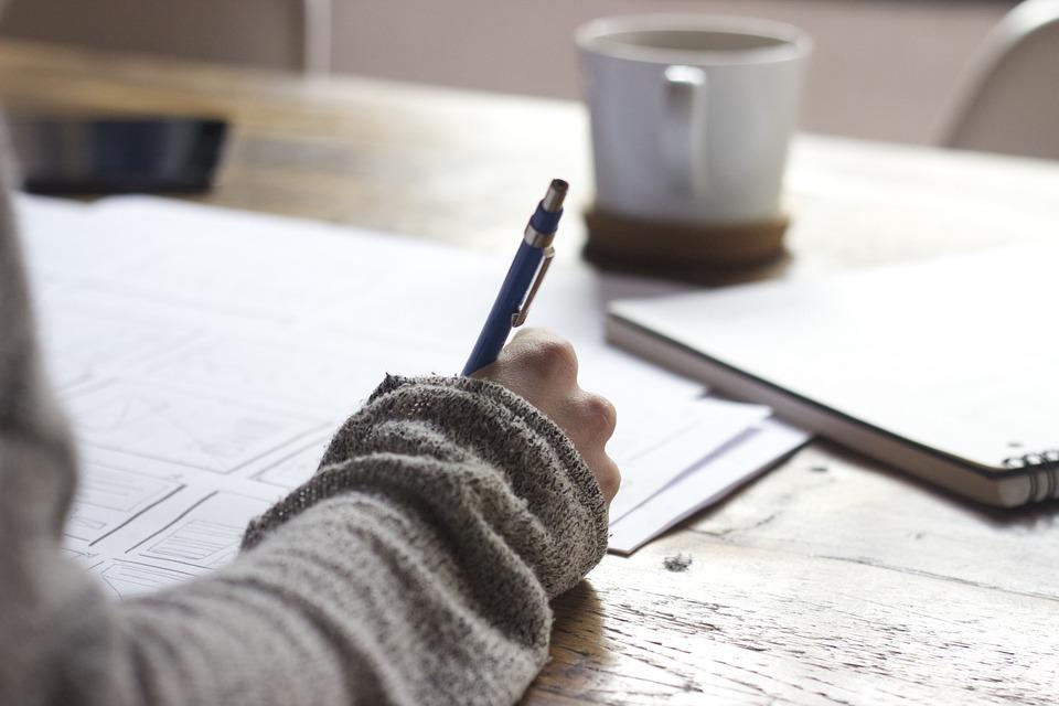 Curriculum: 8 consigli per scrivere un cv di successo (o quasi)